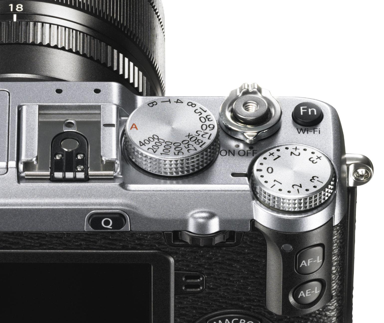 X-E2_Silver_Dial_Close_up-r73