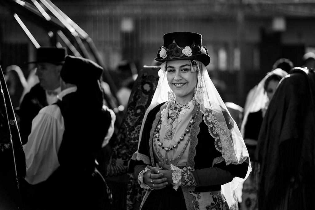 Al corteo partecipano anche i giovani, in costume tradizionale, da tutta la Sardegna