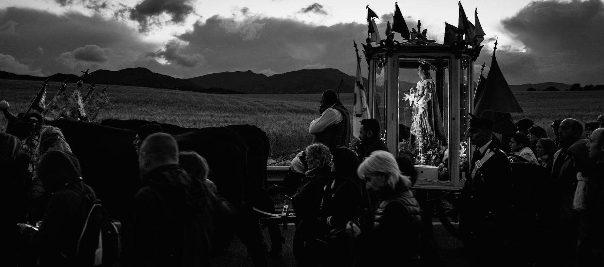 In viaggio con Max De Martino per raccontare la processione più lunga d'Europa: Cagliari e il suo S. Efisio.